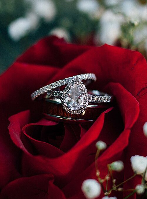 کوبیک زیرکونیا یا الماس؟ ۸ تفاوت اصلی دو سنگ مشابه