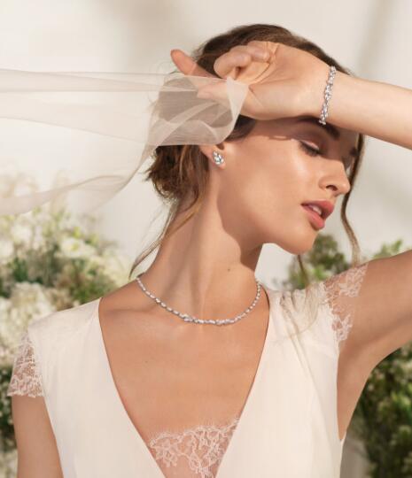 ۳ گردنبند طلا مناسب مراسم عروسی