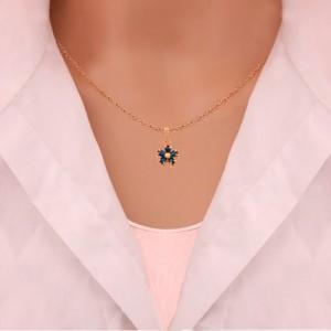 آویز طلا زنانه طرح گل با سنگ کد cp306