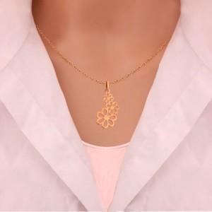 آویز طلا زنانه طرح سه گل کوچک و بزرگ کد lp604