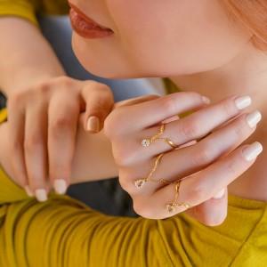 انگشتر طلا زنانه آویز دار با نگین های cz کد cr362