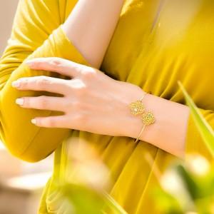 دستبند طلا زنانه طرح گل چهار پر ونکلیف با نگین کد cb335