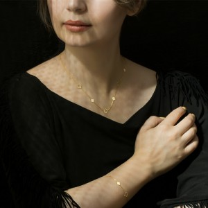 گردنبند طلا زنانه طرح گل چهار پر ونکلیف کد ln823