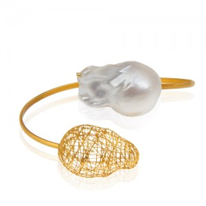 دستبند النگویی طلا با مروارید باروک کد XB722