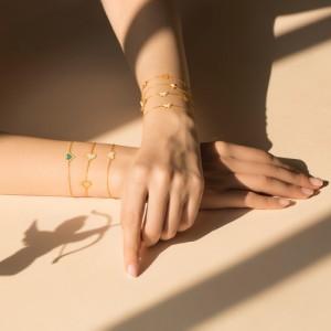 دستبند طلا طرح قلب با میناکاری صدفی کد cb305