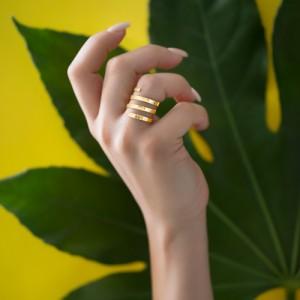 انگشتر طلا طرح فنری کد CR337
