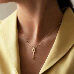 گردنبند طلا طرح کلید فرد کد CN458
